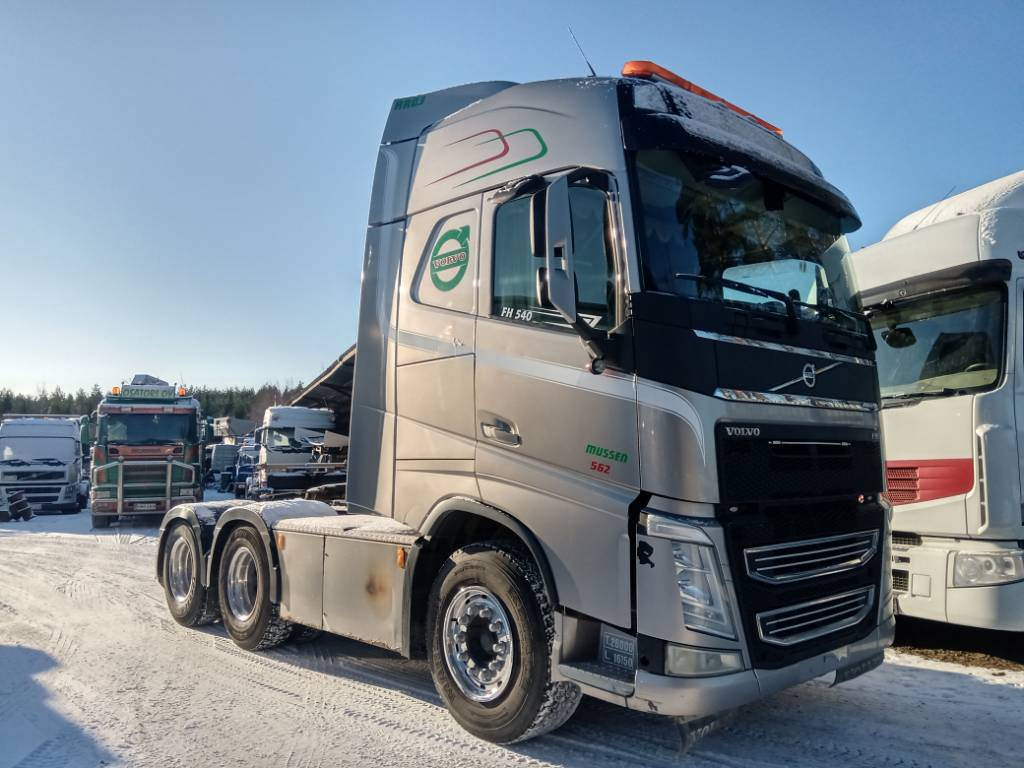 Volvo FH540 6x4 veturi, MYYTY!!!, Vetopöytäautot, Kuljetuskalusto