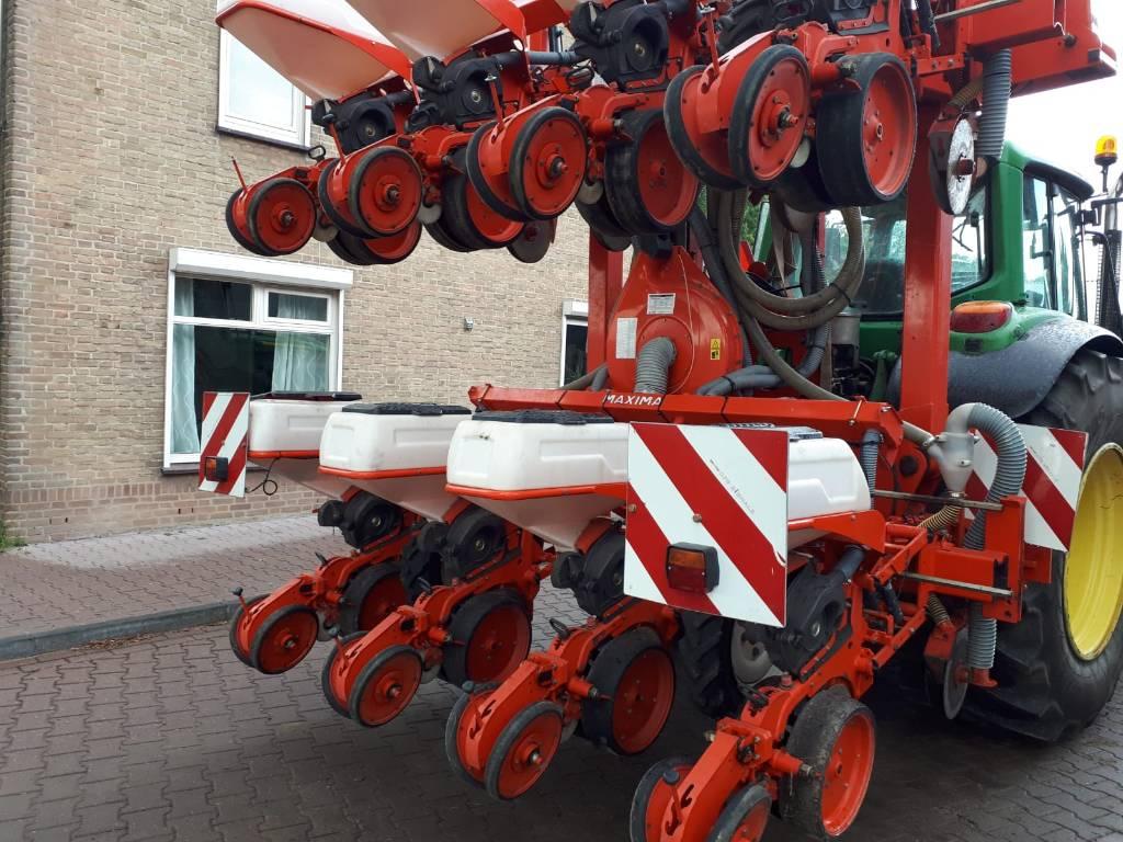 Kuhn Maxima 8 rijer maiszaaijer, Zaaimachines, Landbouw