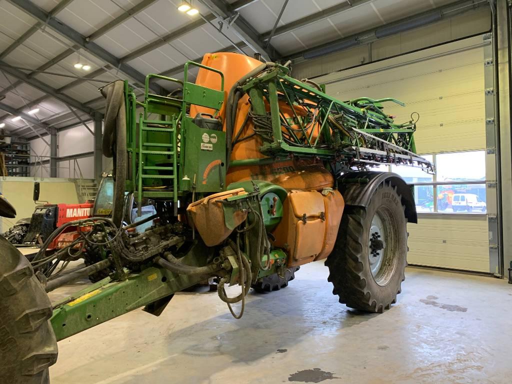 Amazone UX 6200 33m, Getrokken spuitmachines, Landbouw