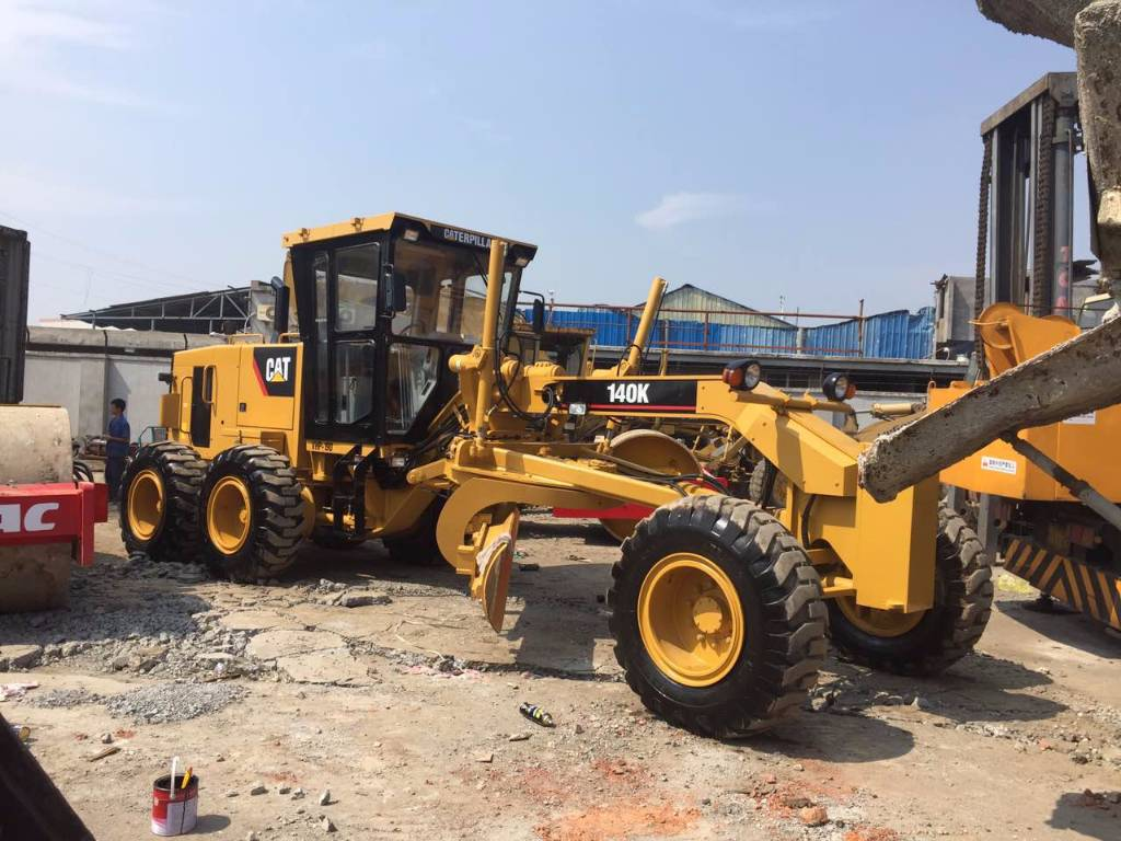 Used caterpillar 140k motor graders year 2014 price for Used motor graders for sale