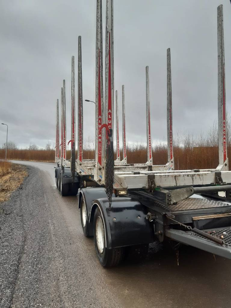 Jyki V52-TJ0, Puuperävaunut, Kuljetuskalusto
