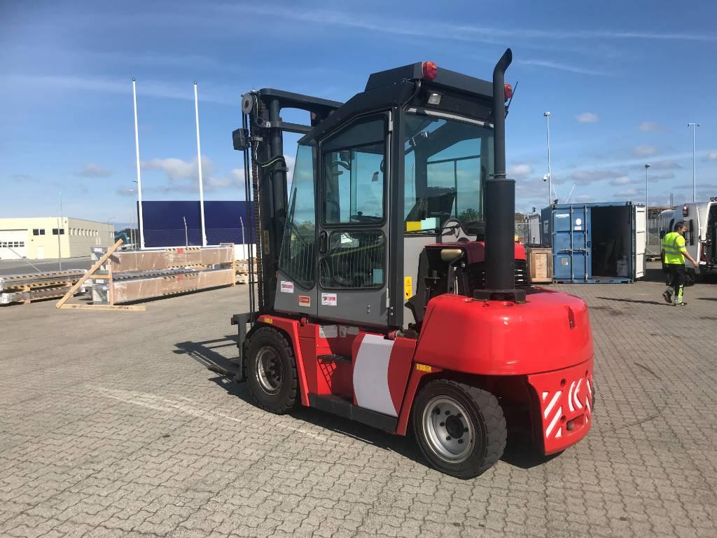 Kalmar DCE55-6HM, Dieseltrukit, Materiaalinkäsittely