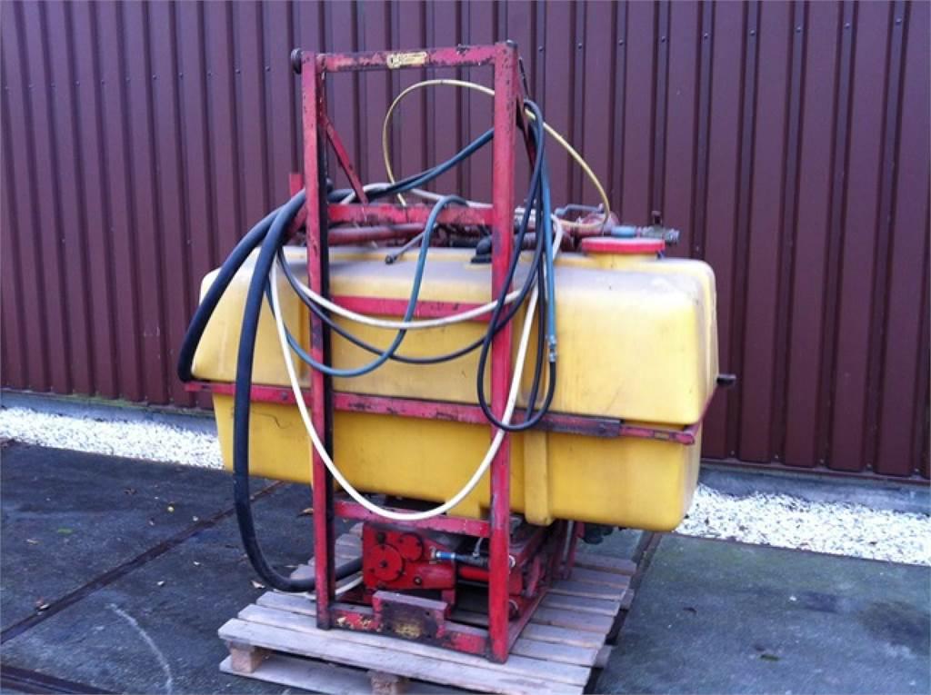 Pz-Vicon PZU 200, Getrokken spuitmachines, Landbouw