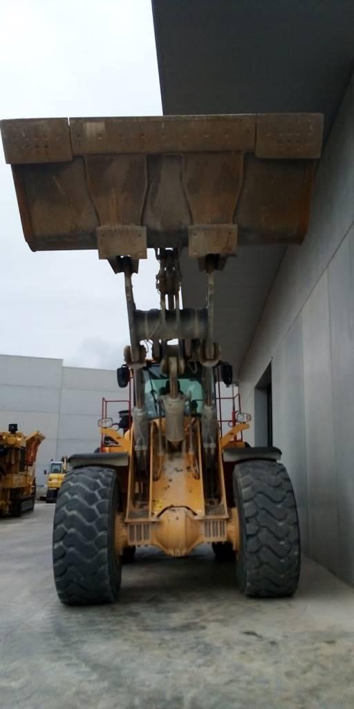 Volvo L 220 H, Palas cargadoras, Construcción