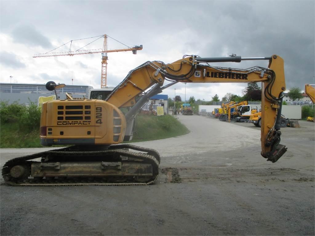 Liebherr R924 Compact, Raupenbagger, Baumaschinen