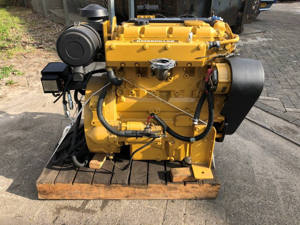 Caterpillar C 4.4 - Marine Auxiliary - 42 kW - DPH 105963, Marine auxiliary engines, Construction