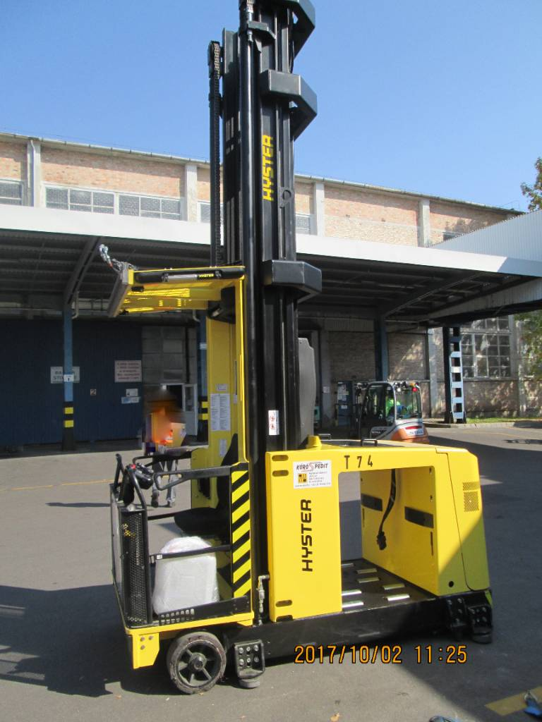 Hyster C  1.5, Very Narrow Aisle Trucks, Material Handling