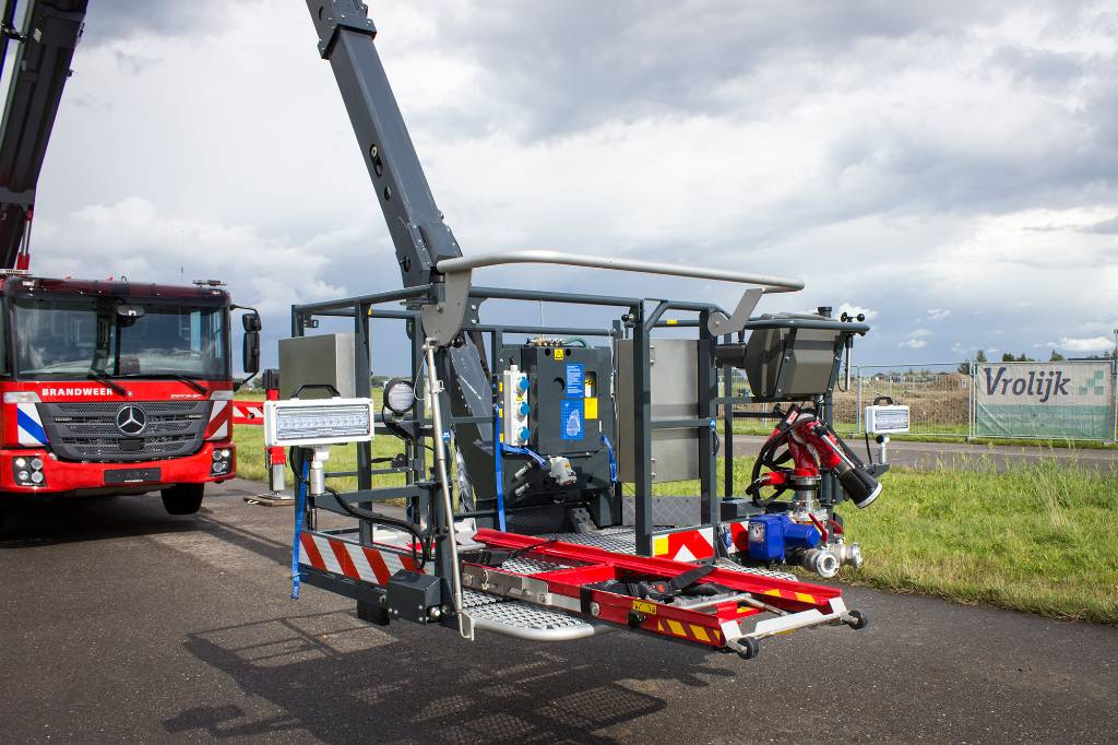 Bronto F34RPX, Truck mounted aerial platforms, Construction