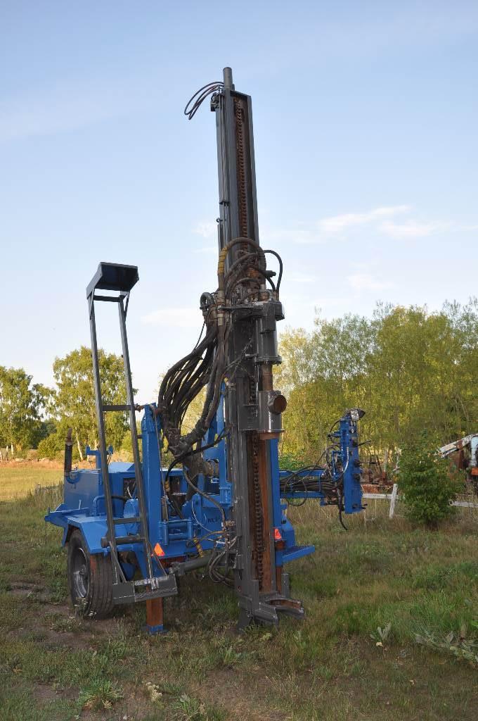 Nemek 300 H Wheel, Borrutrustning för vattenborrning, Entreprenad