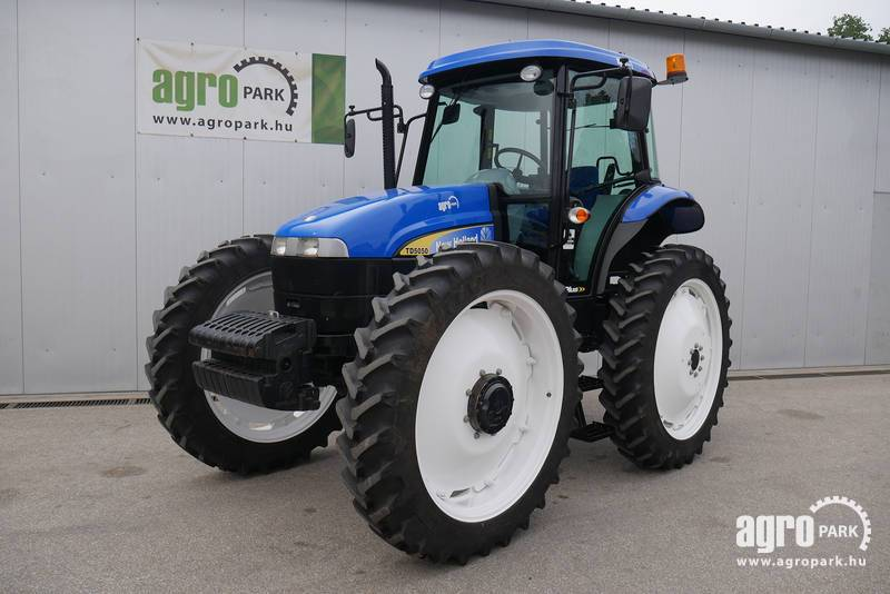 New Holland TD5050 Plus with 1097 hours