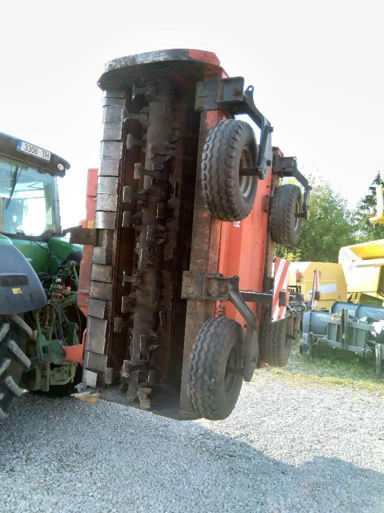 Kuhn RM480, Niidukid, Põllumajandus
