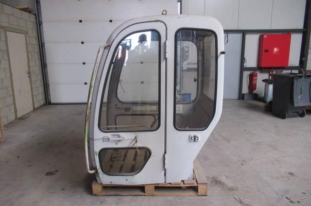 Kobelco SK 045, Cabine, Bouw