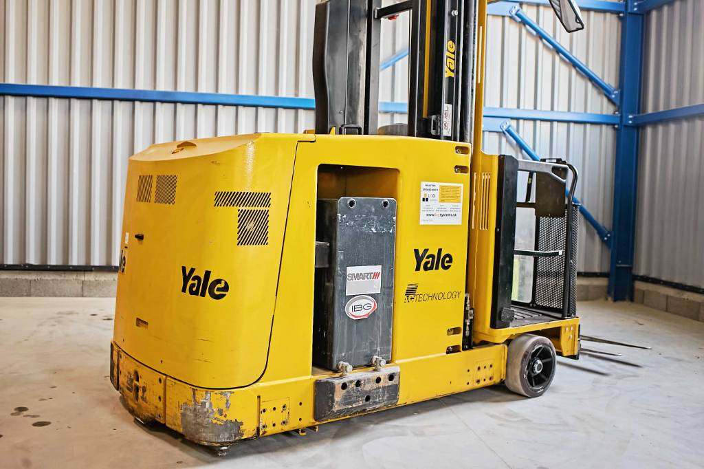 Yale MTC10, Very Narrow Aisle Trucks, Material Handling