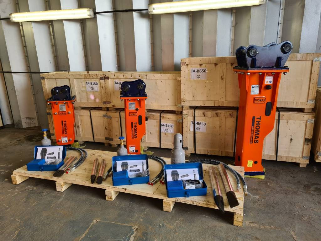 Thomas Attachments 1.5T - 35T Breaker, Hammers / Breakers, Construction