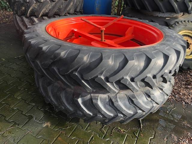 Alliance dubbellucht 12.4x46 cultuurwielen, Tires, wheels and rims, Agriculture