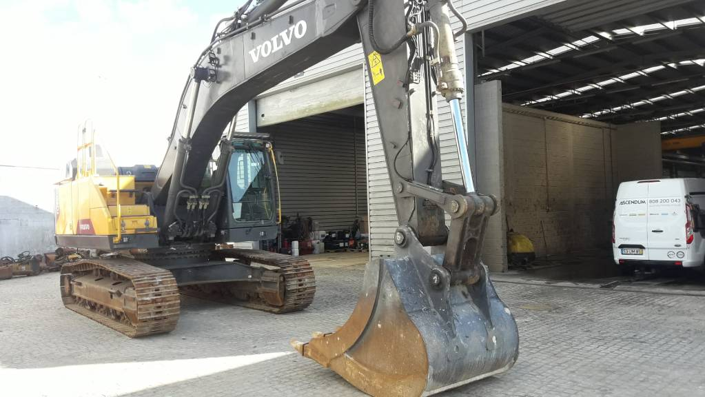 Volvo EC380ENL, Crawler Excavators, Construction Equipment