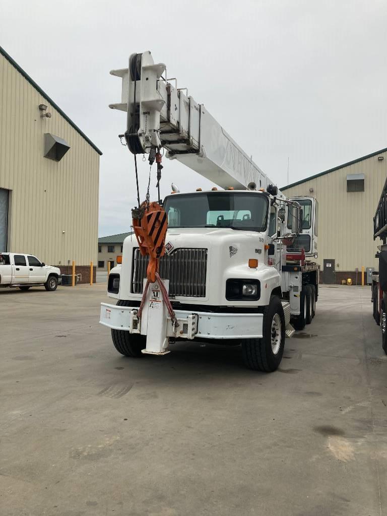 Altec AC 38-127 S, Boom Trucks, Trucks and Trailers