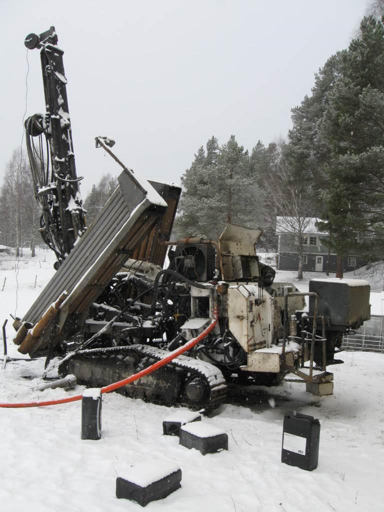Nemek 300 TSE, Borrutrustning för vattenborrning, Entreprenad