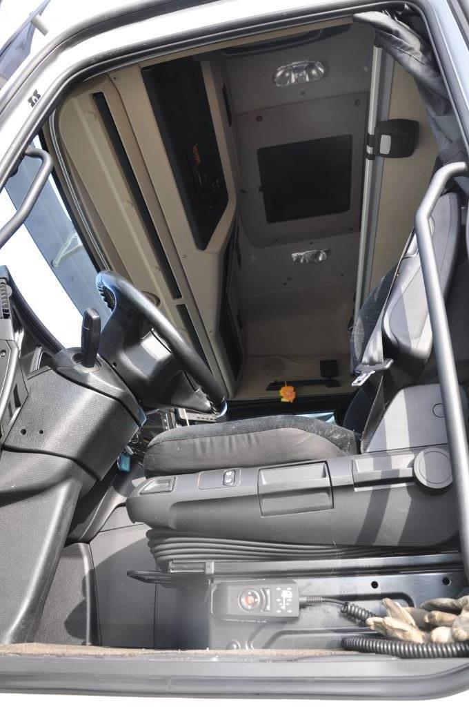 Mercedes-Benz 2553 Actros, Skåpbilar, Transportfordon