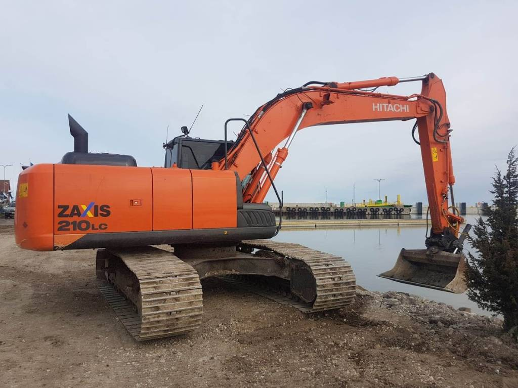 Hitachi ZX 210 LC-5 B, Crawler excavators, Construction