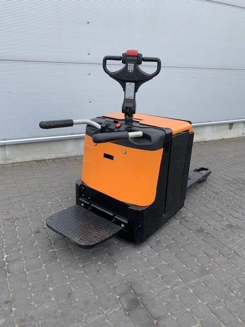 BT LPE 240 / M, Wózki widłowe unoszące z platformą dla operatora, Magazynowanie