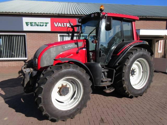 Valtra N121