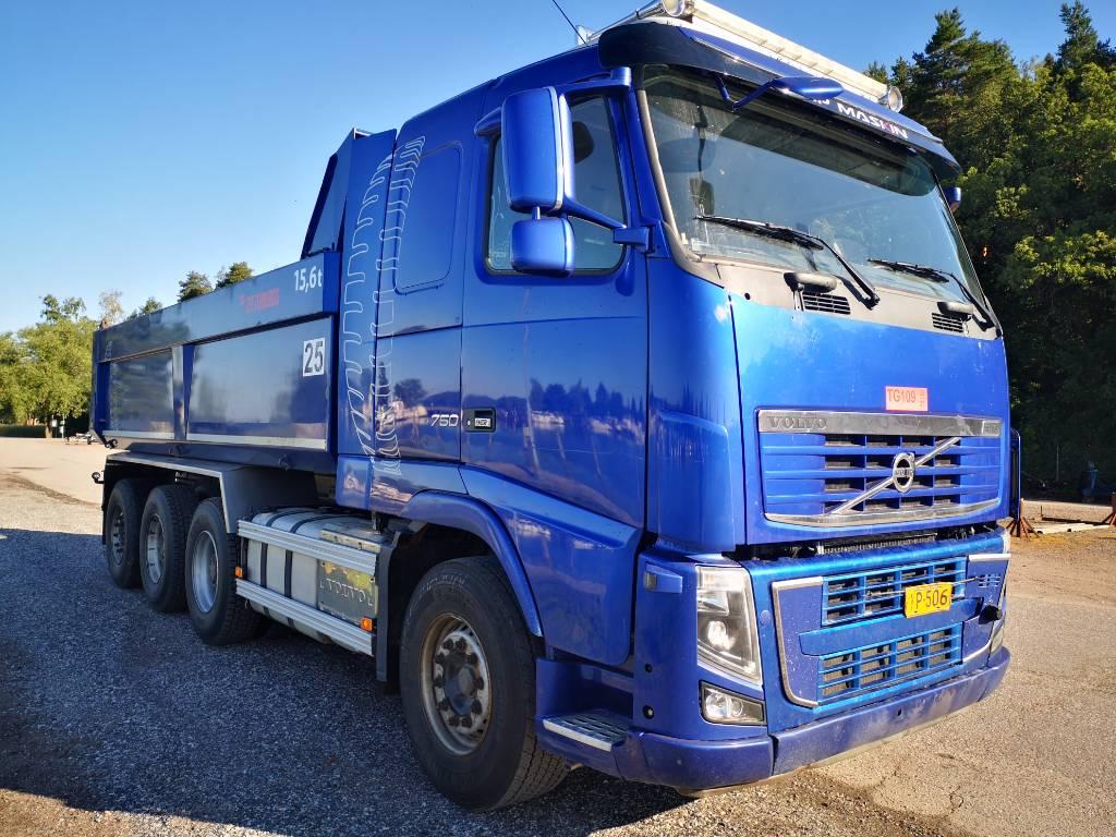 Volvo FH 750 TRIDEM 25 ton koukku menossa päälle, Vaihtolava-autot, Kuljetuskalusto