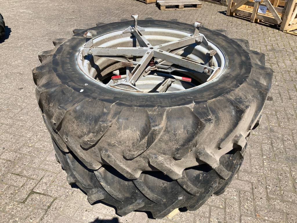 dubbellucht 16.9R38 - 5 ster, Dual Wheels, Agriculture