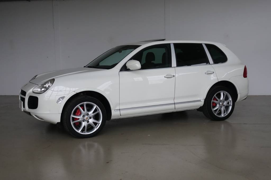Porsche cayenne turbo, Cars, Transport