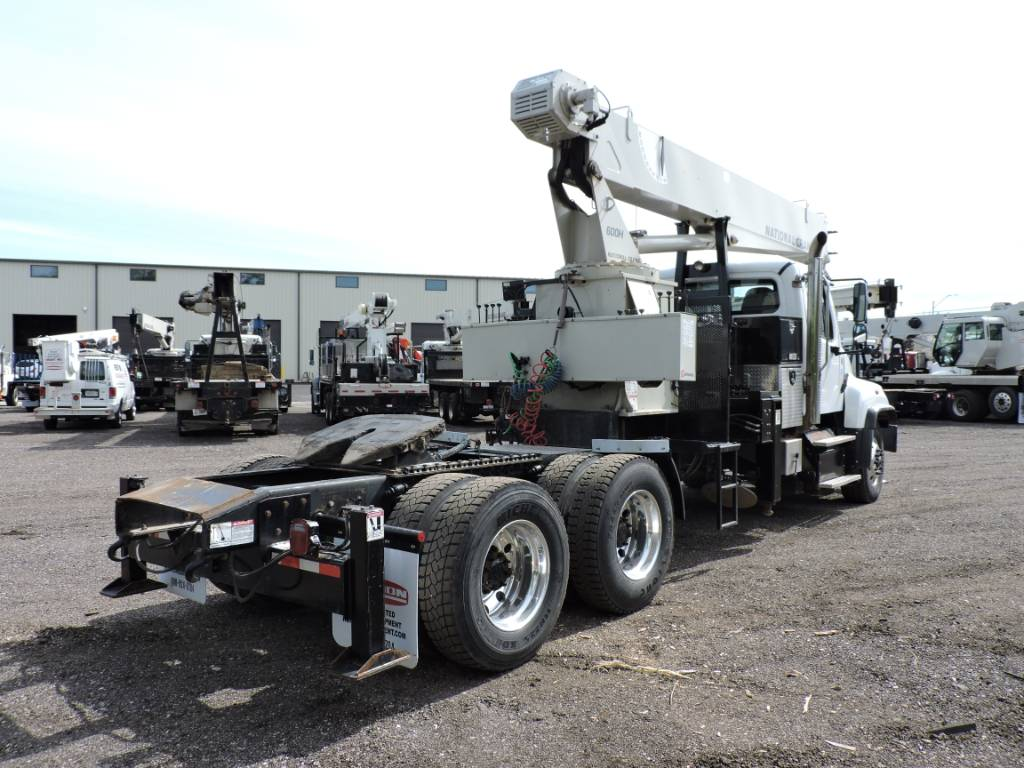 National Crane 600H: Stand Up, Crane Parts and Equipment, Construction Equipment
