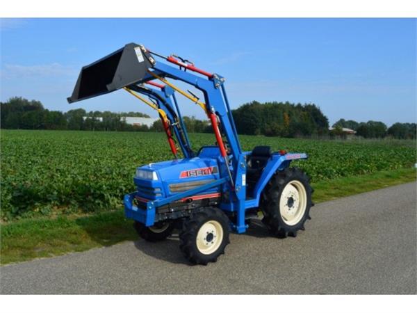 Iseki TA247 4WD 27 PK minitractor frontlader
