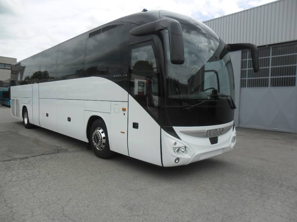 Iveco Magelys, Touringcar, Transport