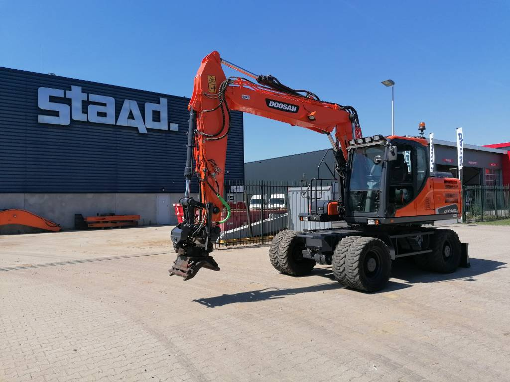 Doosan Staad Veghel DX 140 W-3 mobiele graafmachine, Wheeled Excavators, Construction Equipment