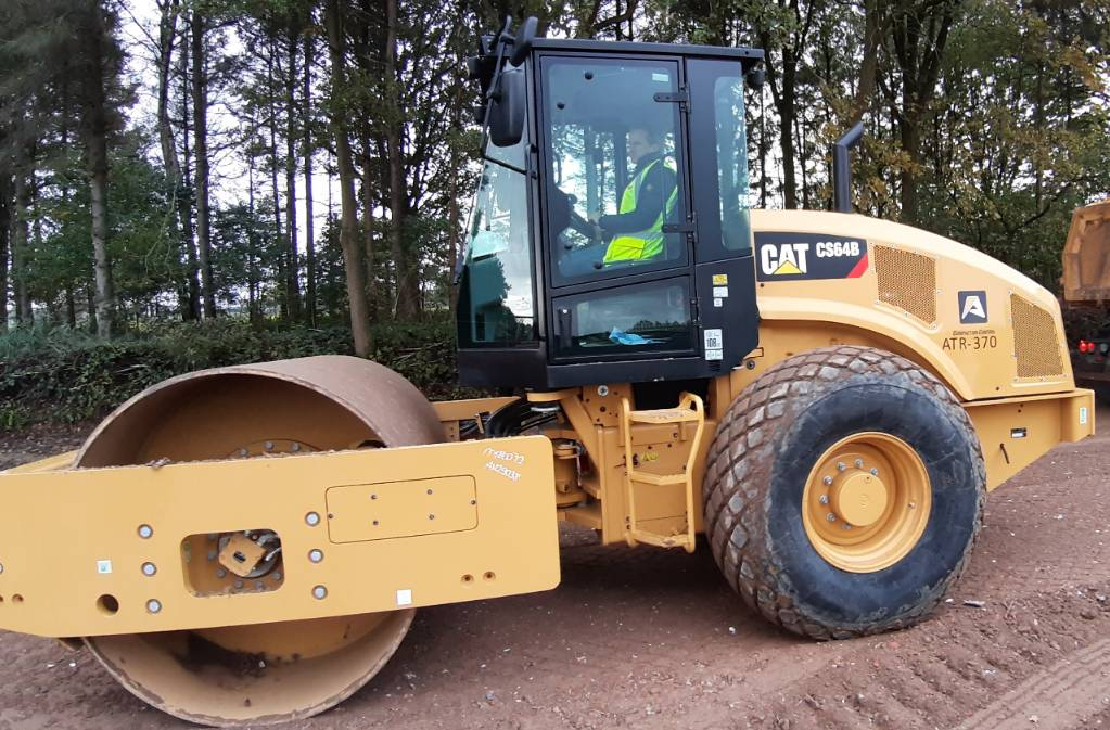 Caterpillar CS 64 B, Single drum rollers, Construction