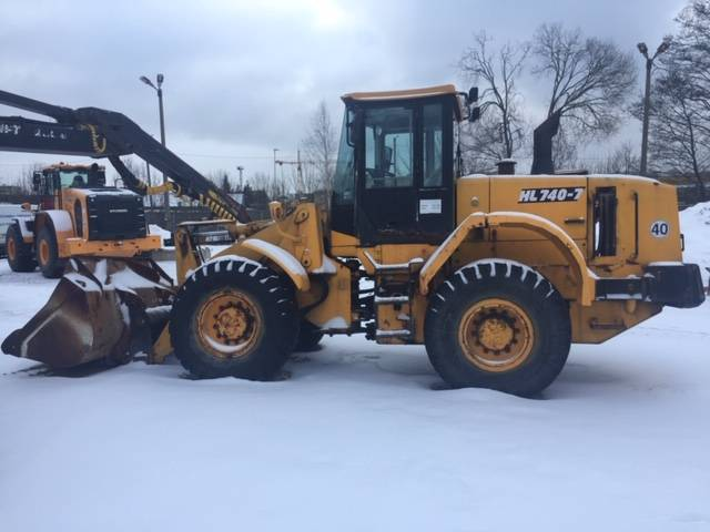 Hyundai HL 740-7, Wheel loaders, Construction