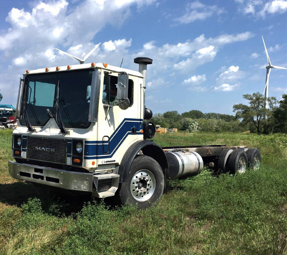 Mack 3 Axle Chassis, Boom Pumps, Construction Equipment