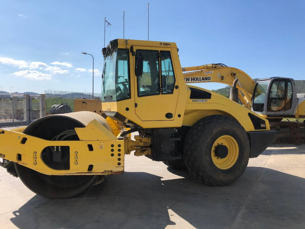 Bomag BW213D-4, Single drum rollers, Construction Equipment