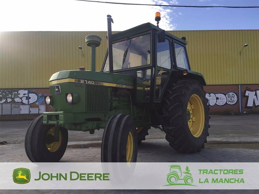 John Deere 2140