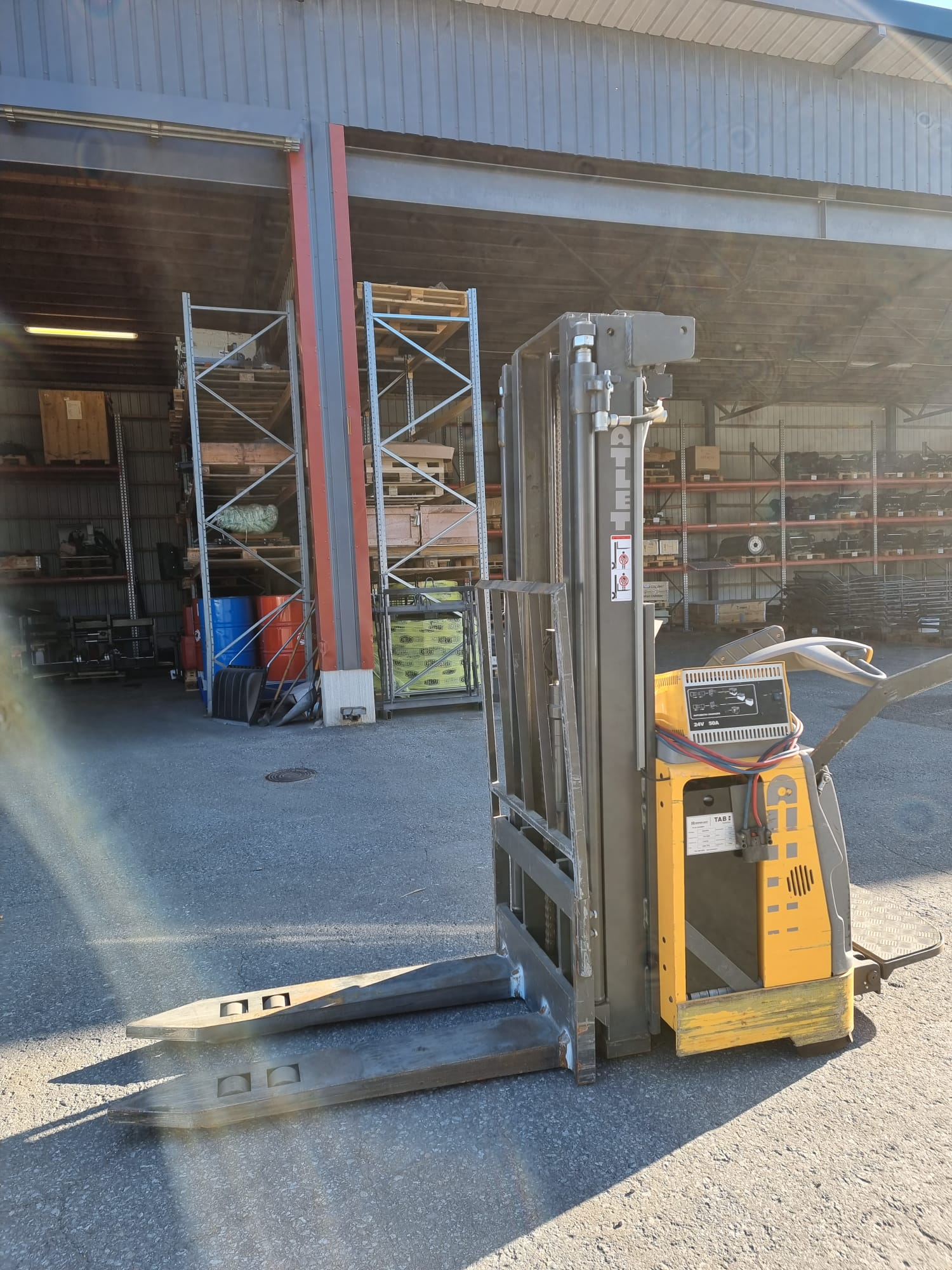 Atlet TS150, Self propelled stackers, Material Handling
