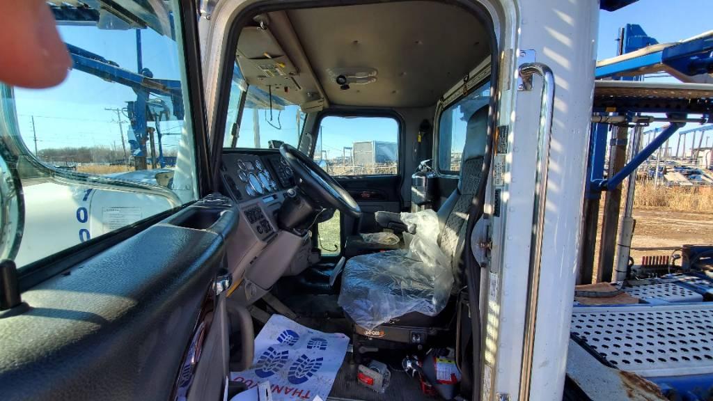 10004 Peterbilt 365, Car Haulers, Trucks and Trailers
