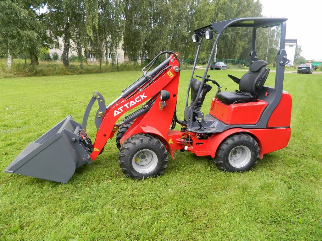 Attack 810 K26, Kompaktie traktori, Komunālā tehnika