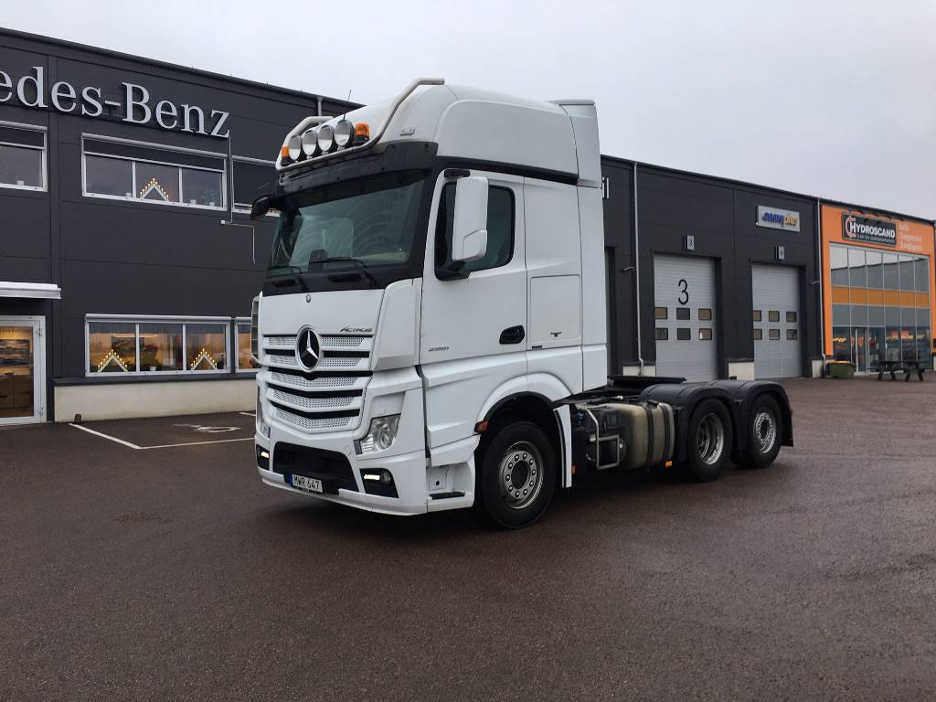 Mercedes-Benz Actros 2551LS, Dragbilar, Transportfordon