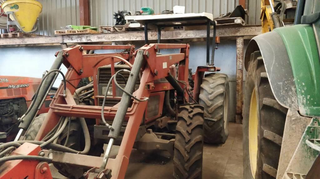 Massey Ferguson 390 Used farm tractor (New Holland, John Deere)