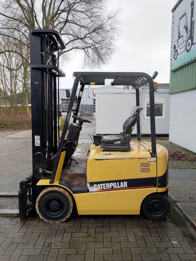 Caterpillar EP20K Heftruck, Elektrische heftrucks, Laden en lossen