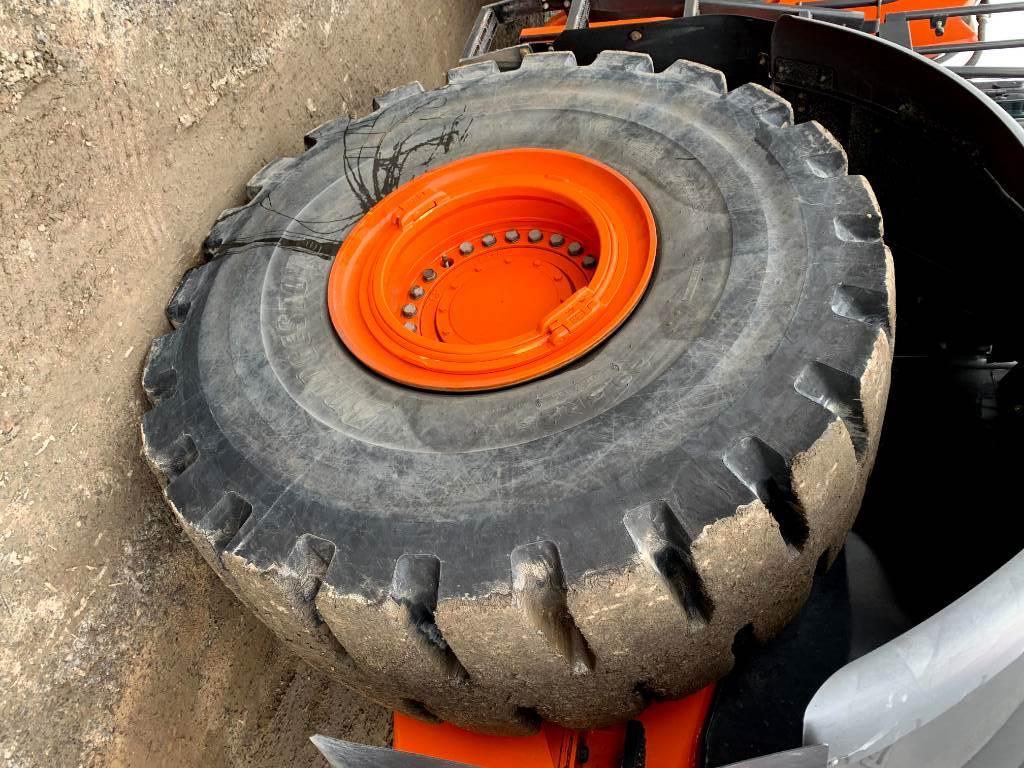 Hitachi ZW 370 -6, Wheel loaders, Construction