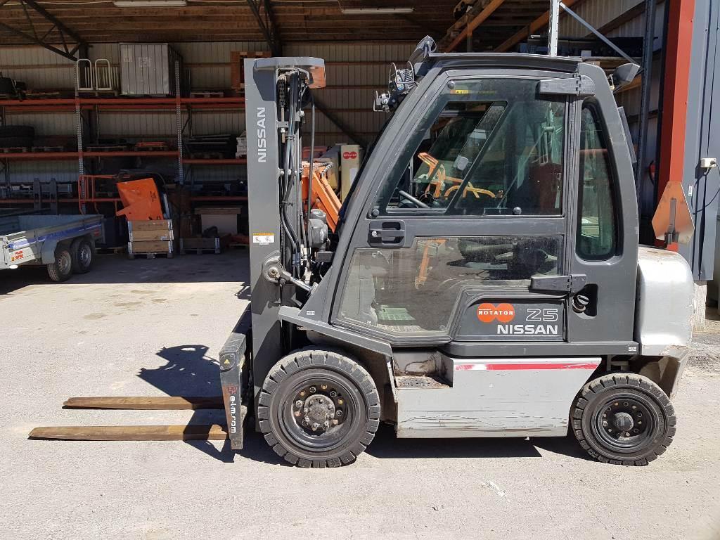 Nissan Diesel Truck >> Nissan Y1d2a25q Diesel Trucks Material Handling