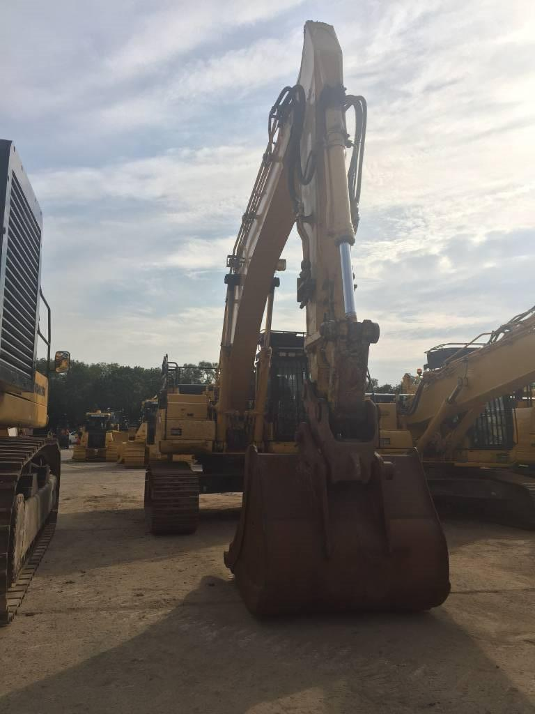 Komatsu PC360LCD-11, Crawler excavators, Construction