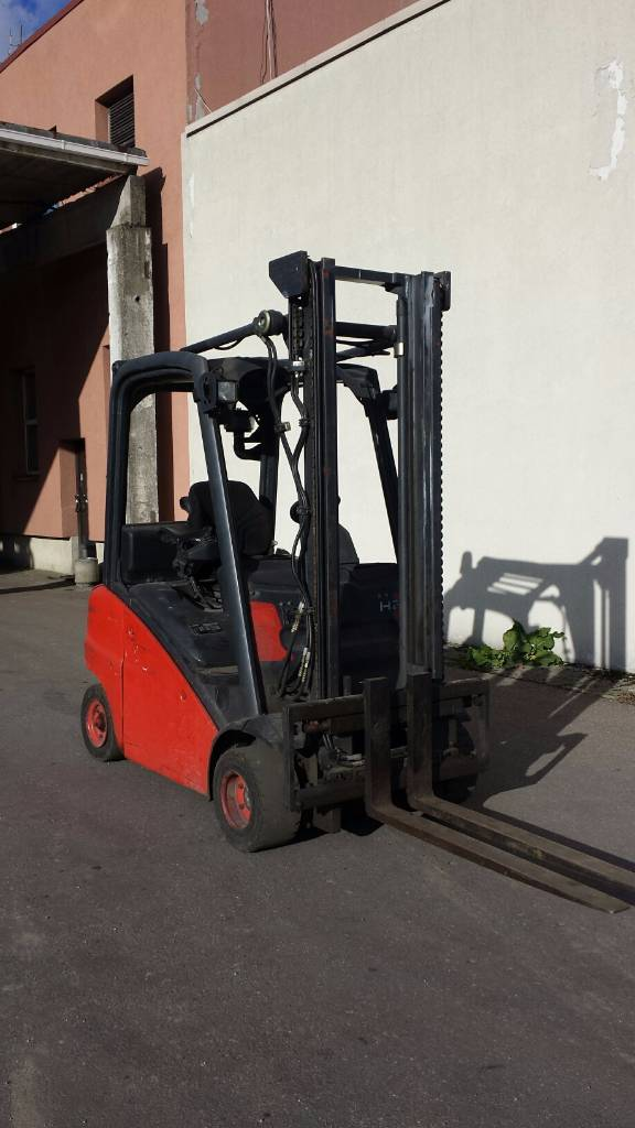 Linde H20T, Carrelli elevatori GPL, Movimentazione materiali