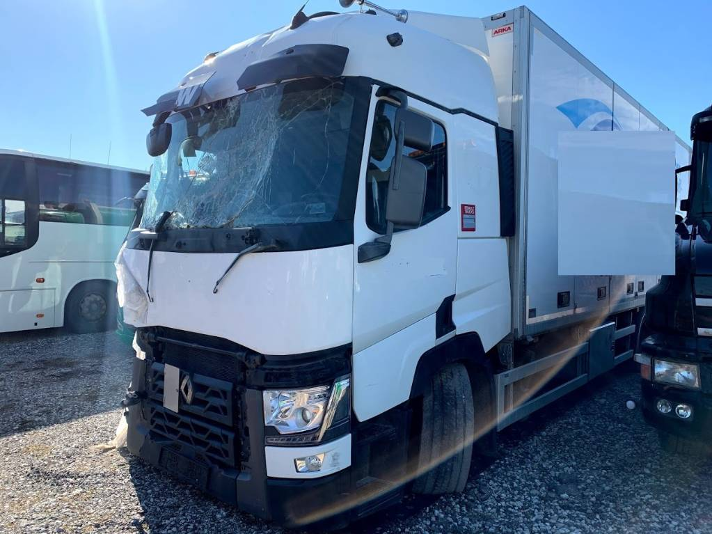 Renault T 380 For parts 2015 Low Mileage, Box trucks, Trucks and Trailers