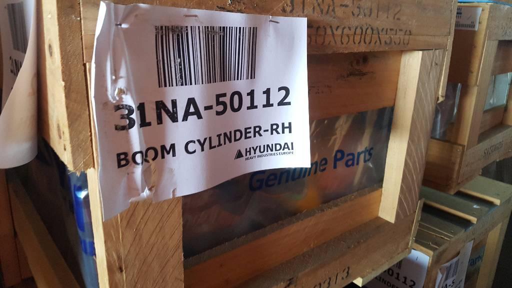 Hyundai Boom Cylinder RH - R360 LC-7, 31NA-50112, Hydraulics, Construction